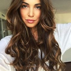 Negin Mirsalehi Gisou Honey Infused Hair Oil | Style.com/Arabia