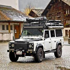 Landrover Defender, Land Rover Defender 110, Land Rover Overland, Dirt Bike Girl, Ford Bronco, Land Rover Models, Motorhome, Bmw Scrambler, Jeep 4x4