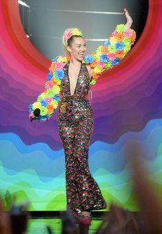 Miley Cyrus at the 2015 MTV Video Music Awards - Roaming Show
