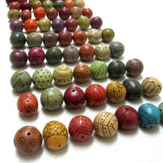 A polymer clay tutorial. Learn how to make hollow beads using only polymer clay.