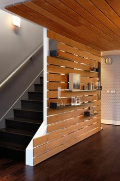 69 furnishing examples, in which wooden panels and wooden walls are more than just present creative wall design wood paneling interior decor ideas wall railing Wood Slat Wall, Wood Slats, Wooden Walls, Wood Paneling, Pallet Walls, Painted Wood Walls, Wood Pallets, Basement Apartment, Basement Stairs