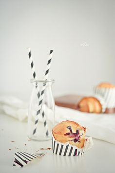 sour cream cheese blueberry muffin