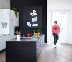 Hey Mickey Mouse! Get inspired and create a unique Disney wall decoration for your kitchen or any other space in your home!