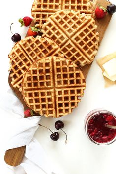 "Easy Vegan Gluten Free Waffles!these sound so delicious!! "" Perfectly crispy, totally customizable and just ONE BOWL required!"" And freezer friendly!!! #vegan #glutenfree ( note: the ingredients here shows the optional add ins... It's actually only 7)"