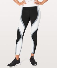 newest 626a5 2b41a Run wild in these high-rise tights that are packed with run-friendly details