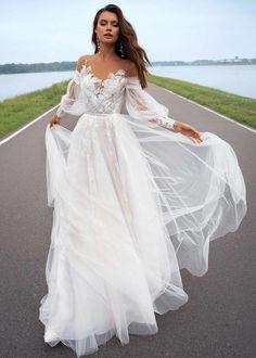 Bohemian Wedding Dresses, Long Wedding Dresses, Bridal Dresses, Beach Wedding Gowns, Wedding Dresses Tight Fitted, Beach Style Wedding Dresses, Different Wedding Dresses, Bridal Gown Styles, Reception Dresses