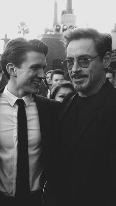 Marvel Man, Ms Marvel, Marvel Avengers Movies, Man Thing Marvel, Marvel Actors, Marvel Characters, Tony Stark Wallpaper, Robert Downey Jr., Iron Man Avengers