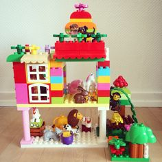 Duplo house for animals Made by Ana Albouy