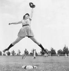 Risultati immagini per All-American Girls Professional Baseball League