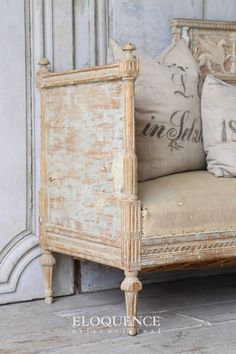 Antique and Vintage Daybeds - For Sale at Plywood Furniture, Painted Furniture, Diy Furniture, Furniture Design, French Interior, French Decor, French Country Decorating, Interior Design, Design Design