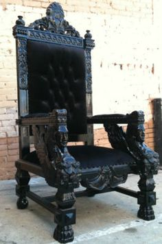 Everyone needs a thrown on which to sit! I'll take 4 with a large round table to go please! #velvet #regal #chair