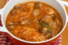 This One-Pot Chicken Chasseur makes an amazing meal! #onepotchicken #chickenchasseur