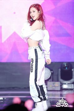 Female K-Pop band, Blackpink, are taking the music world by storm, wi. Lisa, South Korean Girls, Korean Girl Groups, Blackpink Square Up, 1 Rose, Rose Park, Blackpink Photos, Blackpink Fashion, Korea Fashion