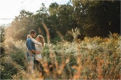 Engagement photos in a field - great idea for fall! Clic,k to view more!