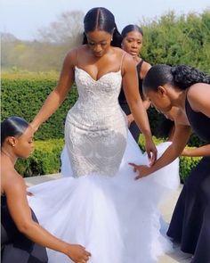 short wedding dresses with pockets Green Bridesmaid Dresses, Modest Wedding Dresses, Bridal Dresses, Lace Bridesmaids, African Wedding Dress, Black Bride, Wedding Looks, Wedding Attire, Wedding Hijab