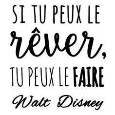 Sticker mural Walt Disney Noir 50 x 60 cm Positive Mind, Positive Attitude, Positive Quotes, Motivational Quotes, Inspirational Quotes, Positive Psychology, French Quotes, Visual Statements, Disney Quotes