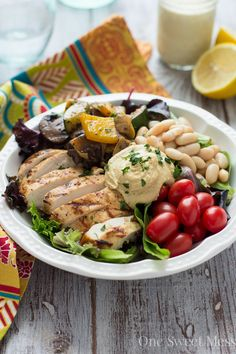 Mediterranean Chicken & Grilled Veggie Salad: This hearty salad loaded with tender chicken, grilled veggies that have been sprinkled with Mediterranean spices, a creamy hummus. Mediterranean Chicken, Mediterranean Recipes, Mediterranean Kitchen, Healthy Cooking, Healthy Eating, Healthy Recipes, Vegetable Recipes, Chicken Recipes, Main Dish Salads