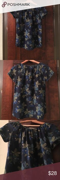 Steven Alan spring fling short sleeve shirt. Steven Alan spring fling short sleeve shirt. 100% silk, dry clean, made in China. Usually paired with ripped dark denim. Love the bold floral print!!🍀 Steven Alan Tops Blouses