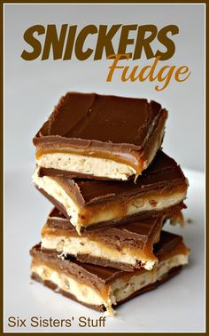 Snickers Fudge- gooey caramel, peanuts, and chocolate. It's amazing. SixSistersStuff.com #fudge #dessert