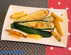 Carole's Chatter: Courgette Fan Zucchini, Oven, Stuffed Peppers, Friday, Vegetables, Recipes, Food, Stuffed Pepper, Essen