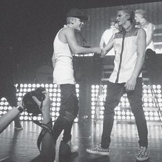 Justin Bieber and Cody Simpson <3