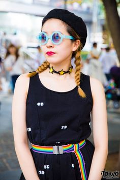 Monochrome x Rainbow Harajuku Street Styles w/ Lazy Oaf, Glitter Candy, Amijed, Cub Run, Oh Pearl & Yosuke Japanese Streets, Japanese Street Fashion, Tokyo Fashion, Harajuku Fashion, Japan Street, Tokyo Street Style, Unique Fashion, Fashion Looks, Womens Fashion