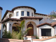 Spanish style homes – Mediterranean Home Decor Mediterranean Architecture, Mediterranean Style Homes, Spanish Architecture, Spanish Style Homes, Spanish House, Spanish Revival, Spanish Colonial, My Dream Home, Exterior Design