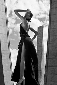 Moda tkwi w ubraniach, podczas gdy styl to osoba...