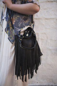 Great purse!...kinda western!