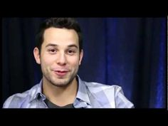 Show People With Paul Wontorek: Skylar Astin on Baring His Booty & Dream...