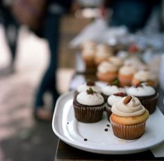 give to me cupcakes