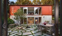 10週間で完成!デザイン性にも優れた、広々コンテナハウス「Quick House」 – YADOKARI|スモールハウス/小屋/コンテナハウス/タイニーハウスからこれからの豊かさを考え、実践するメディア。