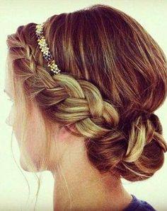 headband et une jolie coiffure tressée pour un look romantique et bohème