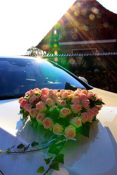 Autoschmuck - gesehen auf einer Hochzeit in Lehnin                                                                                                                                                                                 Mehr