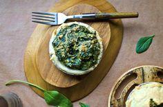 Vegan Creamy Spinach Mini-Pie (gluten-free option)