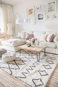 easy ways to create a spacious and beautiful living room . - mypin easy ways to create a spacious and beautiful living room … – # spacious Living Room Interior, Home Living Room, Living Room Designs, Living Room Decor, Living Room White Walls, Interior Livingroom, Small Apartment Living, Small Living Rooms, Family Rooms