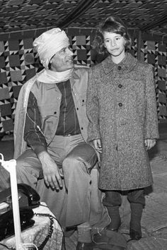 Muammar Gaddafi with his daughter Aysha in his Bedouin tent, January 12, 1986.