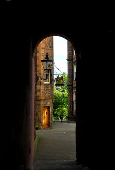 Edinburgh's Royal Mile may be the city's most-visited street, but it's still got lots of secrets. Here are 10 things you didn't know about the Royal Mile!