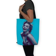 Conheça a bolsa Mary Lin na nossa loja! www.loja.saladadecinema.com.br