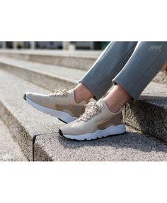 detailed look 71c9b 2d995 Chaussure Nike Femme Air Huarache Courir Ultra Avoine Lin Blanc Noir