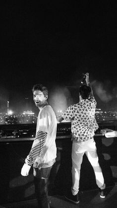 Nice Hair with The Chainsmokers 065 ft. Jonas Blue - music/song added under genre of Dance & EDM Music X, Edm Music, Blues Music, Dance Music, Andrew Taggart, Chainsmokers Concert, The Chainsmokers Wallpaper, Pop Singers, Hollywood Celebrities