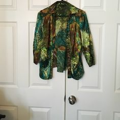 BCBG Max Azaria top Has a barely noticeable snag in back this is a beautiful top used to be one of my favorites BCBG Tops Blouses