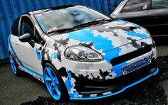 Camouflage Design by Autoaufkleber24 --- Mehr Infos unter: www.autoaufkleber... – Mehrere Camouflage Designs stehen zur Auswahl – Cybercamouflage – Snowcamouflage – Stealthfighter – Armycamouflage #carwrap #sticker #snowcamou #folie #camouflagefolie #camouflagecarwrap #camouwrap #camouflagesticker #camouflageaufkleber #stealthfightercamouflage #pixeltarn #cybertarn #pixelcamouflage #autoaufkleber #aufkleber #tuning #folierung #carporn #fiat #grandepunto #fiatgrandepunto #abarth #punto