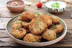 Le crocchette di patate ripiene al forno sono un piatto irresistibile seppur nella sua semplicità con un ripieno cremoso. Ecco la ricetta