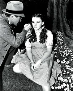 Judy Garland on the Wizard of Oz set