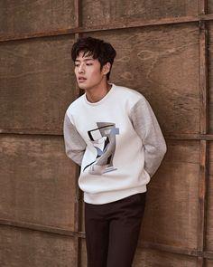 Kang Ha Neul for Vostro FW 2017 Bonus: Sources: naver , ( 1 & 2 )강하늘 Korean Wave, Korean Men, Korean Celebrities, Korean Actors, Kdrama, Kang Haneul, Yong Pal, Lee Bo Young, Eunwoo Astro