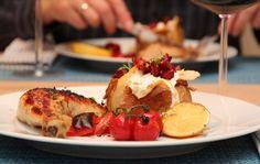 Marinerte kyllinglår med bakt potet og chorizo
