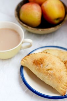 That's So Vegan: Classic Apple Hand-Pies