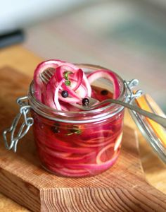 How To Make Quick-Pickled Red Onions; 1 Slice the onions; 2 Dissolve the sugar and salt; 3 Par-blanch the onions; 4 Add the onions to the jar; 5 Store.
