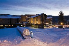 The Radisson Blu Resort Trysil provides excellent accommodations in Trysil, Norway's biggest ski resort. With 65 ski runs, you won't run out of options in this winter wonderland.